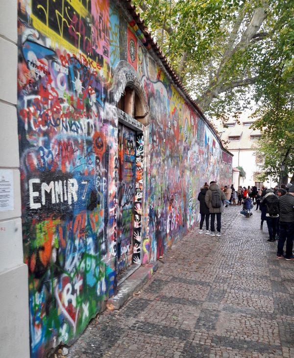 prague republique tcheque John Lennon wall