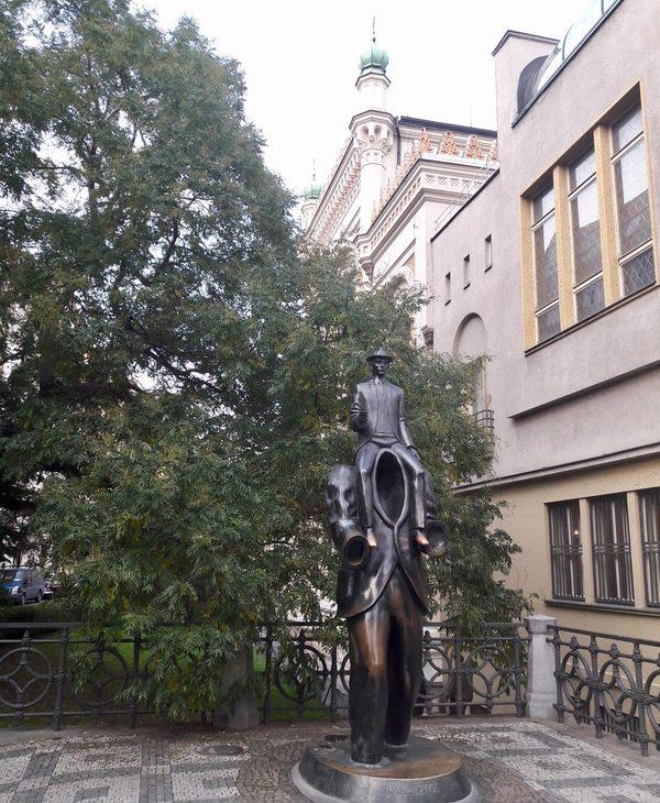 prague republique tcheque david cerny art sculpture frantz Kafka
