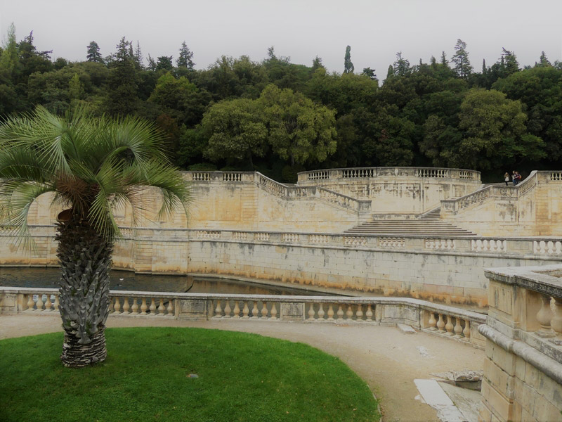 Nîmes gard romain arènes jardin fontaine
