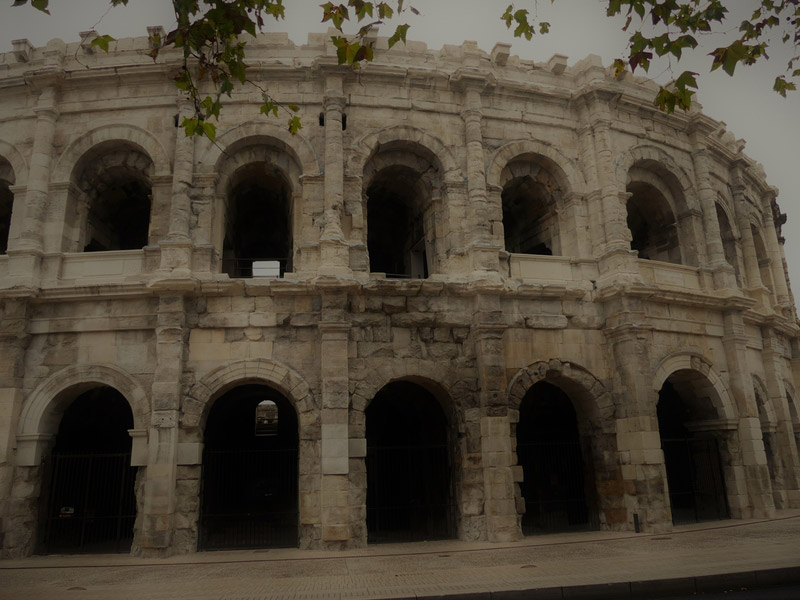 Nîmes gard romain arènes